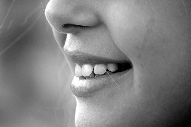 Se sodou můžete zkrášlit svůj úsměv.