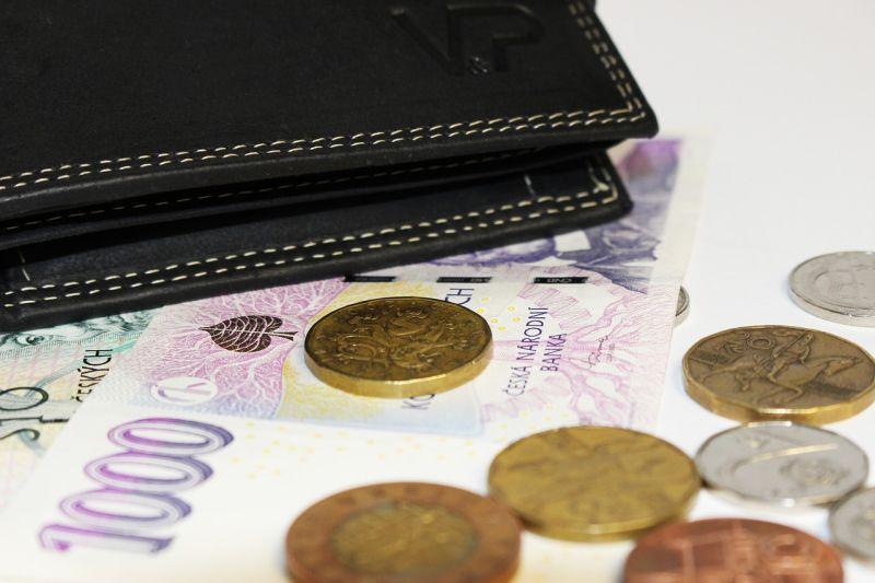 nabídka půjčky mezi jednotlivými mena