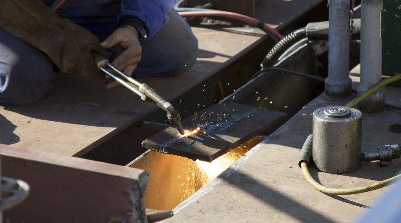 Co obnáší práce ve velkosériové kovovýrobě?