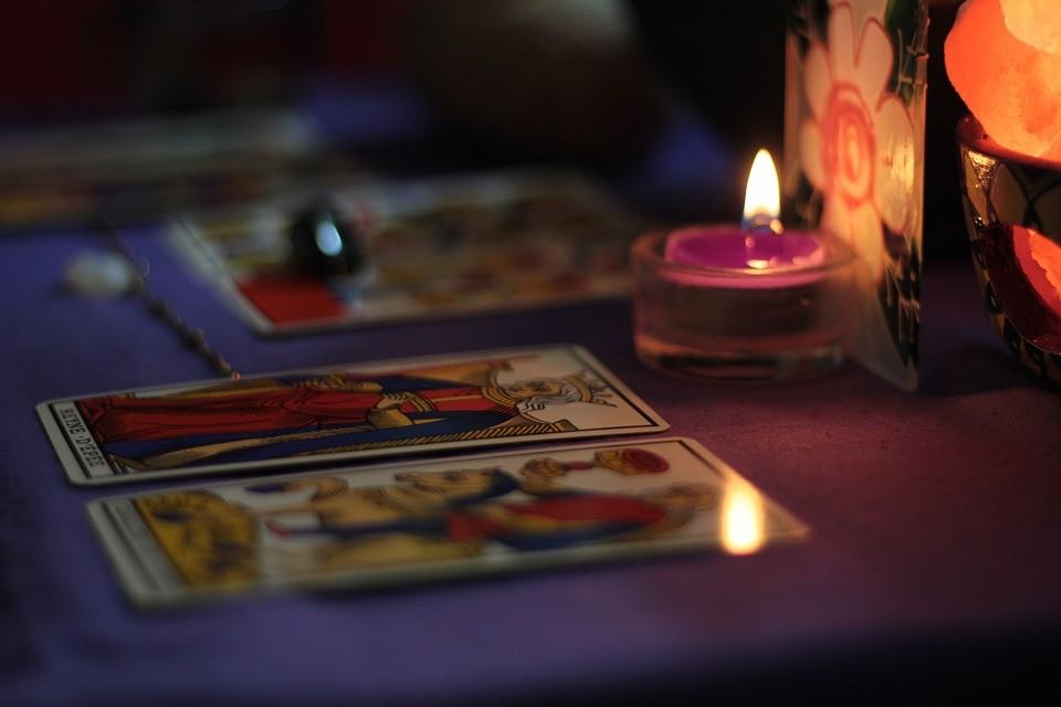 Co nevíte o tarotových kartách