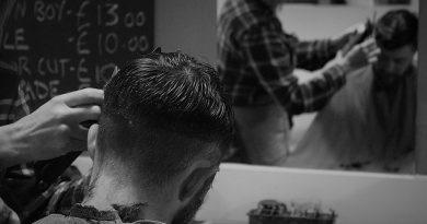 I na kadeřnice v salonech se vztahuje BOZP. Prozradíme vám základní pravidla