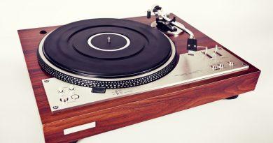 Plánujete koupit gramofon? Co vše budete potřebovat?