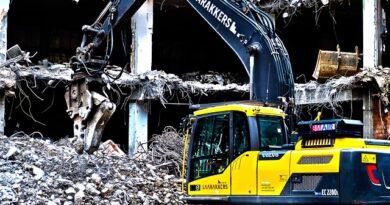 Nejvyšší čas na demolici. V některých případech je nutná