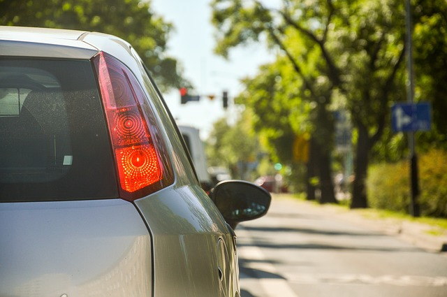 Jak poznat, že je čas na výměnu tlumičů do auta