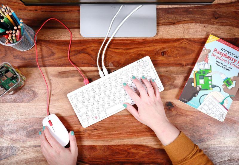 Raspberry Pi 400: Fenomén s lehkou porcí stylu